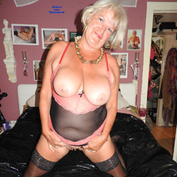 Mature Whore - Big Tits, High Heels Amateurs, Lingerie, Mature