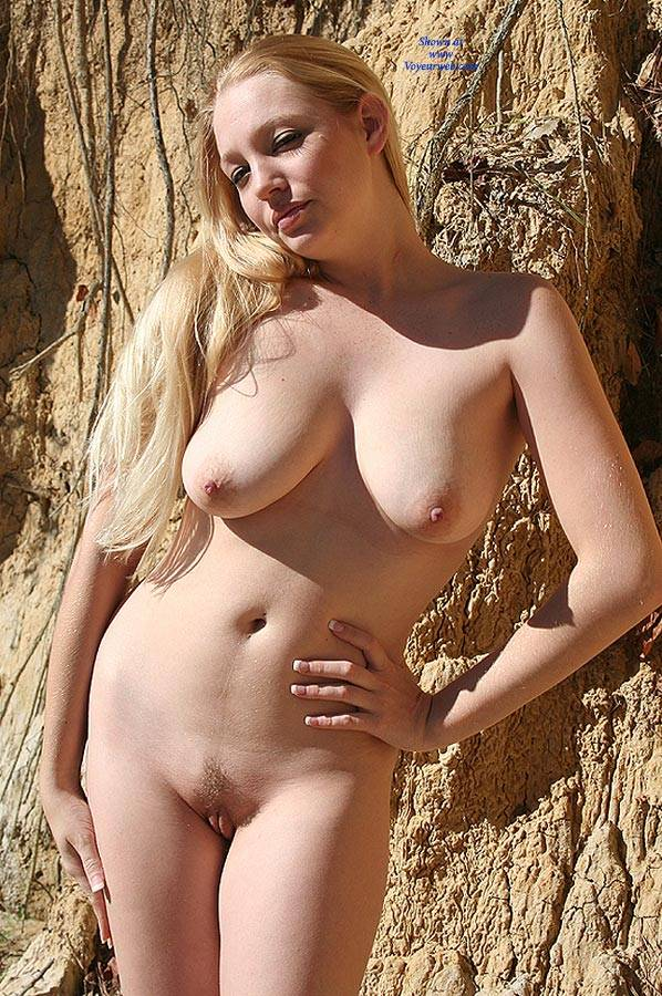 Girl blonde nude
