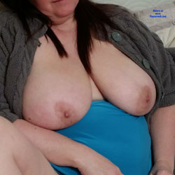 My Jiggly Wife - Nude Wives, Big Tits, Shaved, Amateur