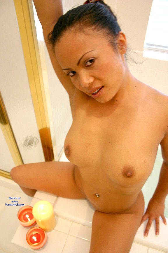Pic #2 Bubble Bath - Nude Girls, Big Tits, Brunette, Shaved