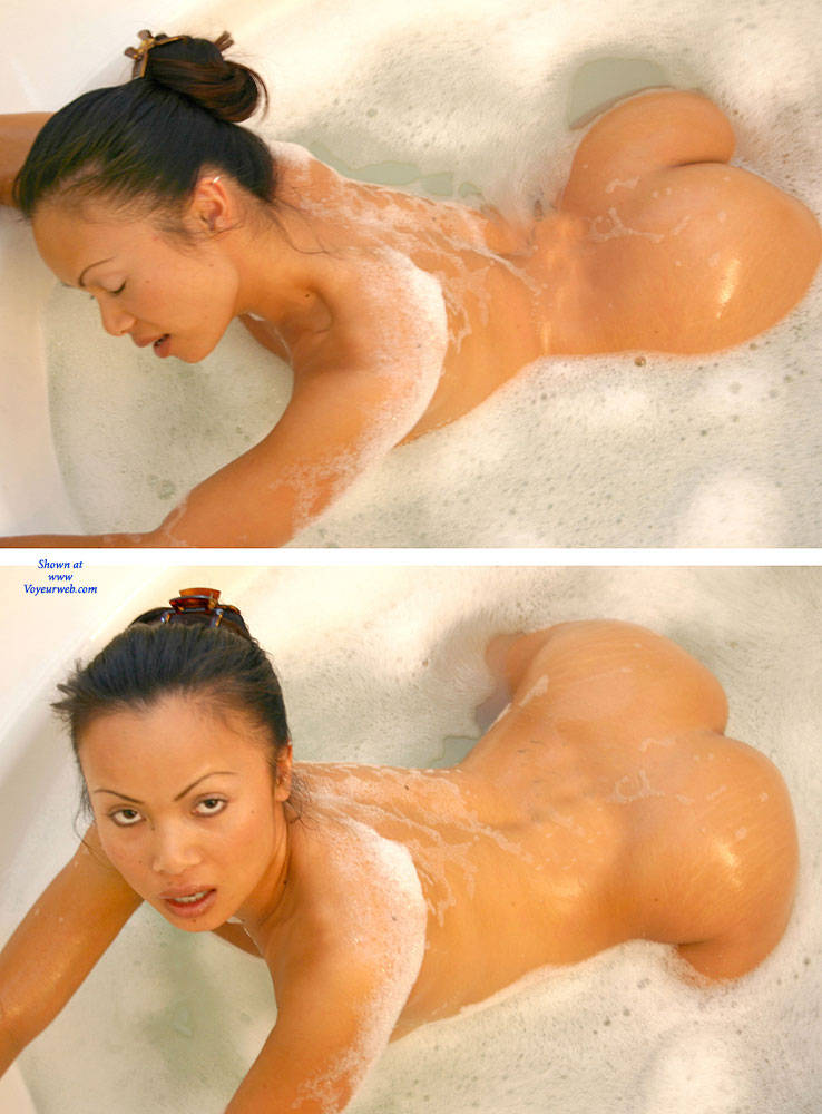 Pic #5 Bubble Bath - Nude Girls, Big Tits, Brunette, Shaved