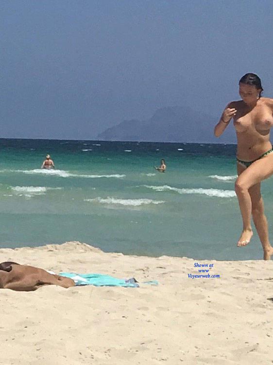 Pic #1 Mallorca Beach  - Topless Girls, Big Tits, Brunette, Outdoors, Beach Voyeur