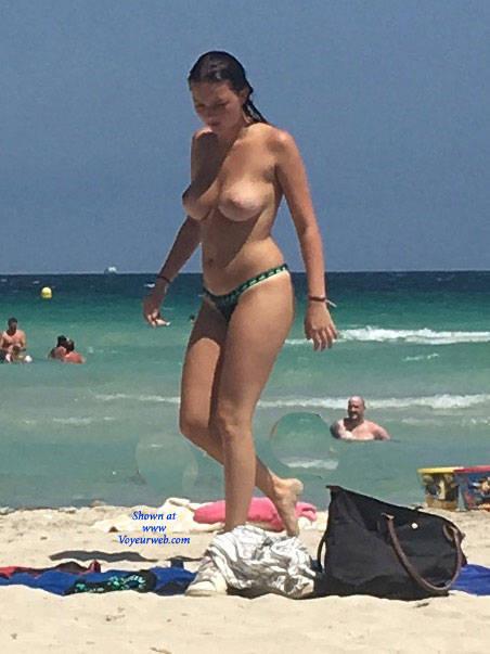 Pic #2 Mallorca Beach  - Topless Girls, Big Tits, Brunette, Outdoors, Beach Voyeur