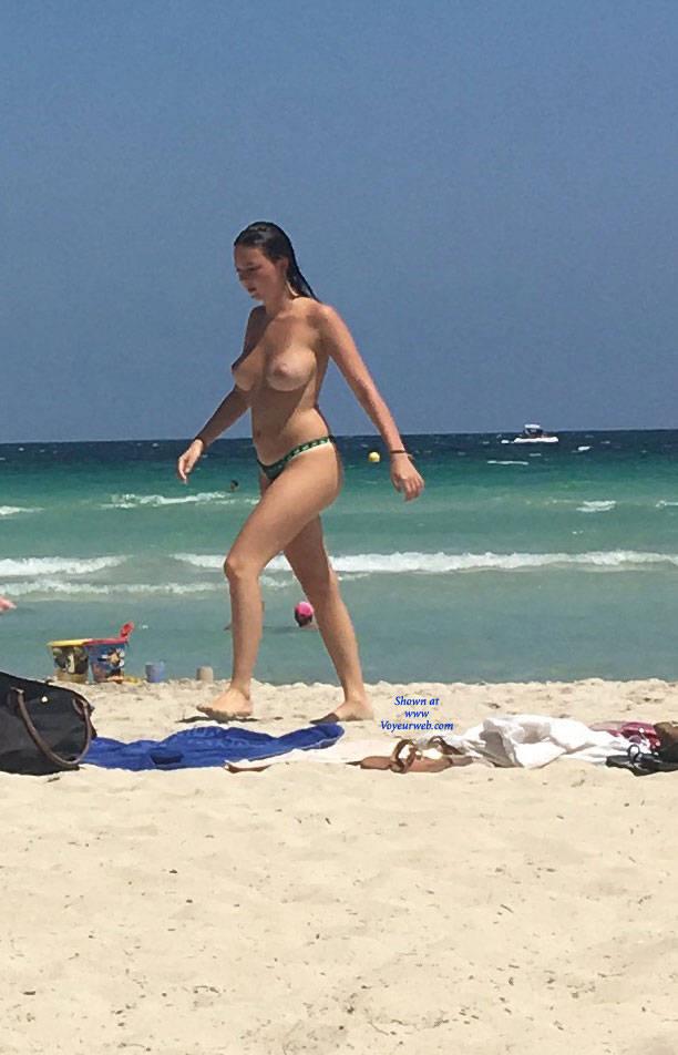 Pic #5 Mallorca Beach  - Topless Girls, Big Tits, Brunette, Outdoors, Beach Voyeur