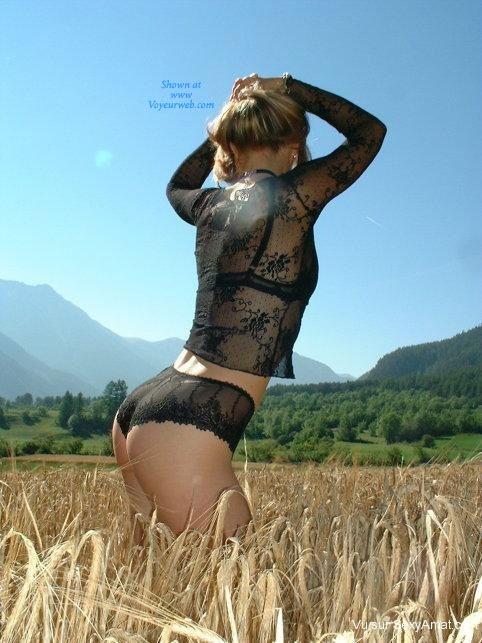Pic #2 - Sandi al Campo - Lingerie, Blonde, Latina, Nature, Outdoors, Big Ass