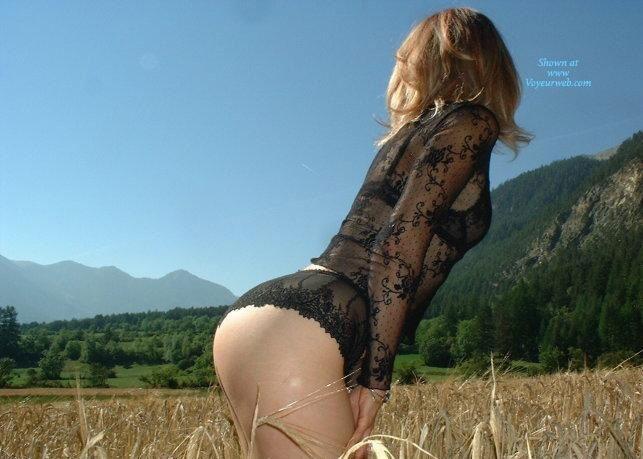 Pic #3 - Sandi al Campo - Lingerie, Blonde, Latina, Nature, Outdoors, Big Ass