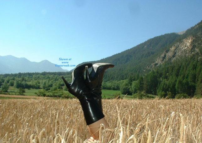 Pic #5 - Sandi al Campo - Lingerie, Blonde, Latina, Nature, Outdoors, Big Ass