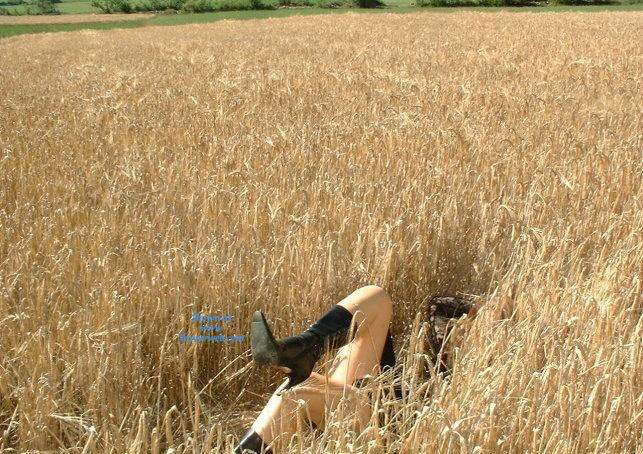 Pic #7 - Sandi al Campo - Lingerie, Blonde, Latina, Nature, Outdoors, Big Ass