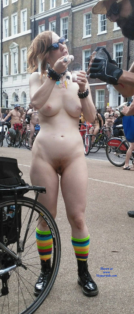 Pic #1 Punk Girl - Nude Girls, Public Exhibitionist, Outdoors, Public Place