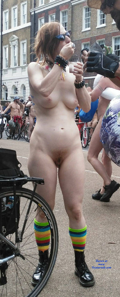 Pic #2 Punk Girl - Nude Girls, Public Exhibitionist, Outdoors, Public Place