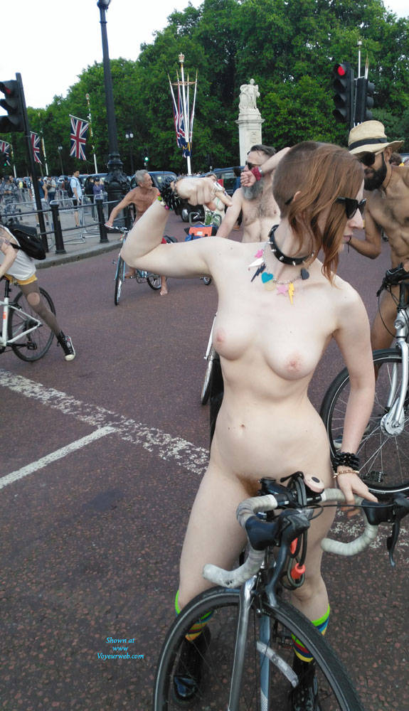 Pic #4 Punk Girl - Nude Girls, Public Exhibitionist, Outdoors, Public Place
