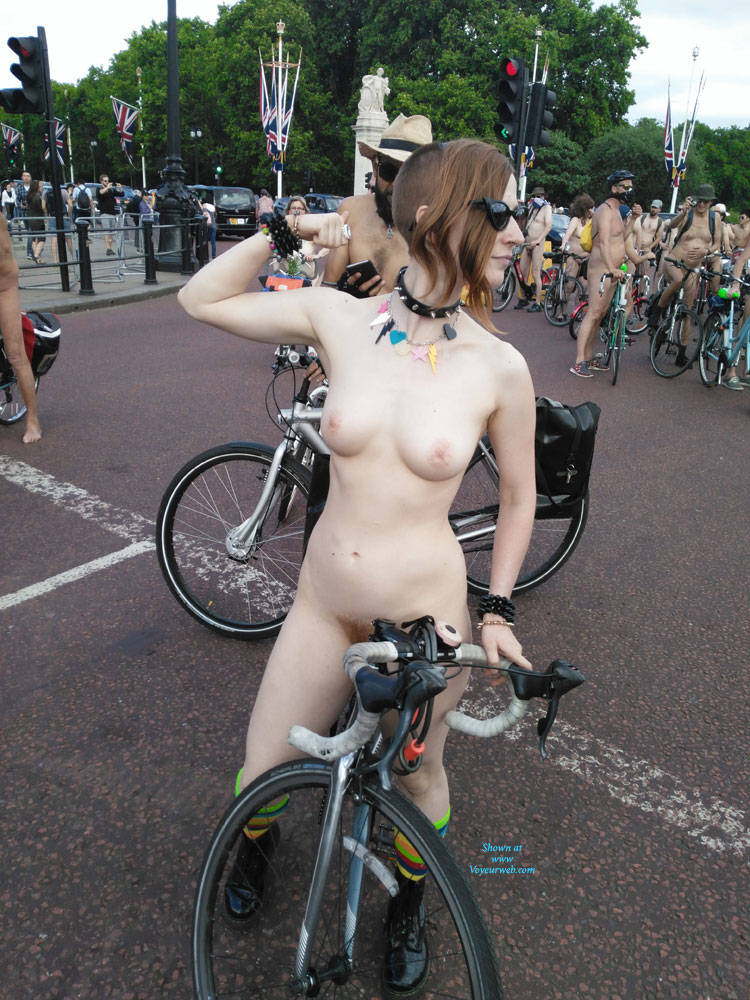 Pic #6 Punk Girl - Nude Girls, Public Exhibitionist, Outdoors, Public Place