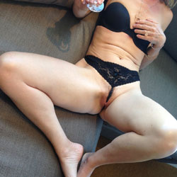 Fun Times! - Wives In Lingerie, Amateur