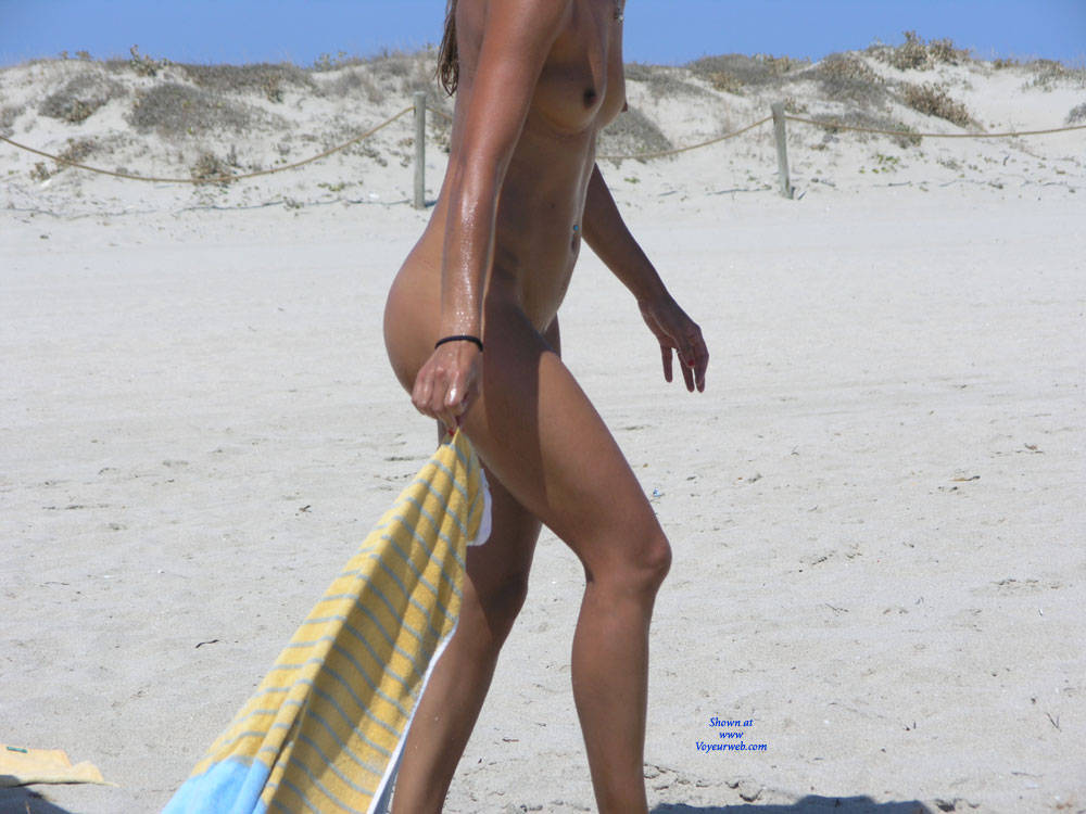 Pic #2 Saw This Girl On The Beach - Nude Girls, Outdoors, Firm Ass, Beach Voyeur
