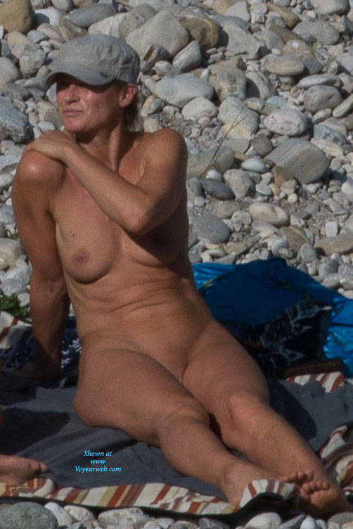 Pic #8 Here And There (Part 2)  - Nude Girls, Outdoors, Beach Voyeur