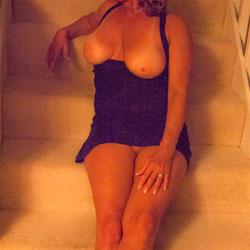 Hanlinne Makes 50 Look Good - Big Tits, Amateur
