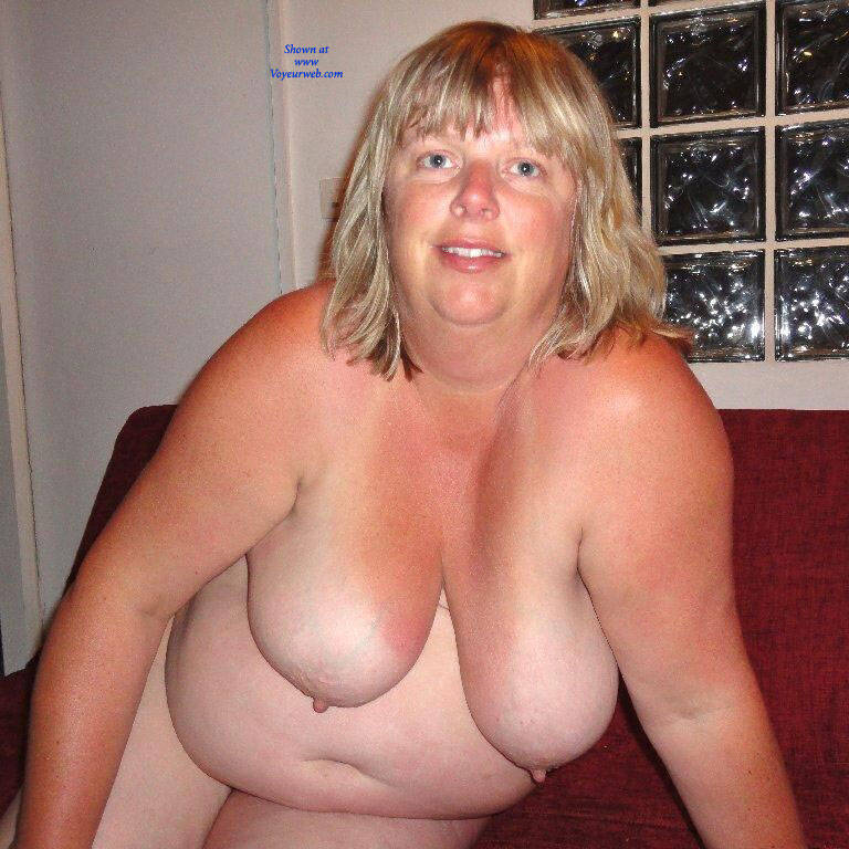 Pic #6 Fiona Loves To Pose - Nude Amateurs, Bbw, Big Tits