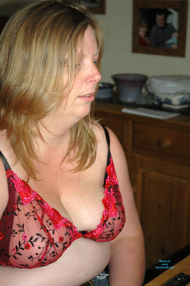 Pic #10 Fiona Loves To Pose - Nude Amateurs, Bbw, Big Tits