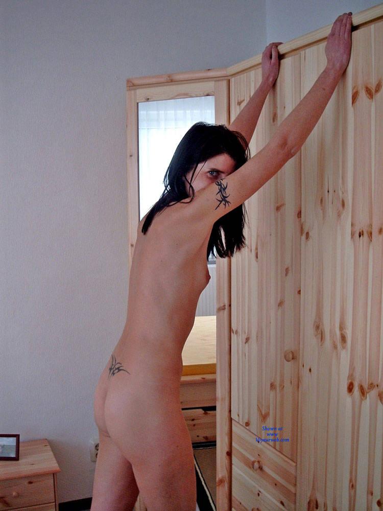 Pic #9 Ane P. - Bedroom Shot III - Nude Girls, Brunette, Amateur