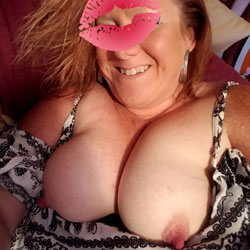 Lunch Break - Big Tits, Amateur