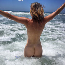 Nirvana Surf - Nude Amateurs, Outdoors, Small Tits, Firm Ass