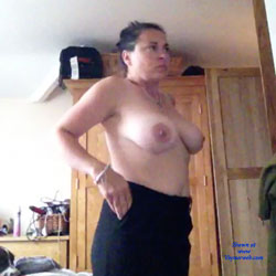 Sara - Topless Girlfriends, Big Tits, Brunette, Amateur