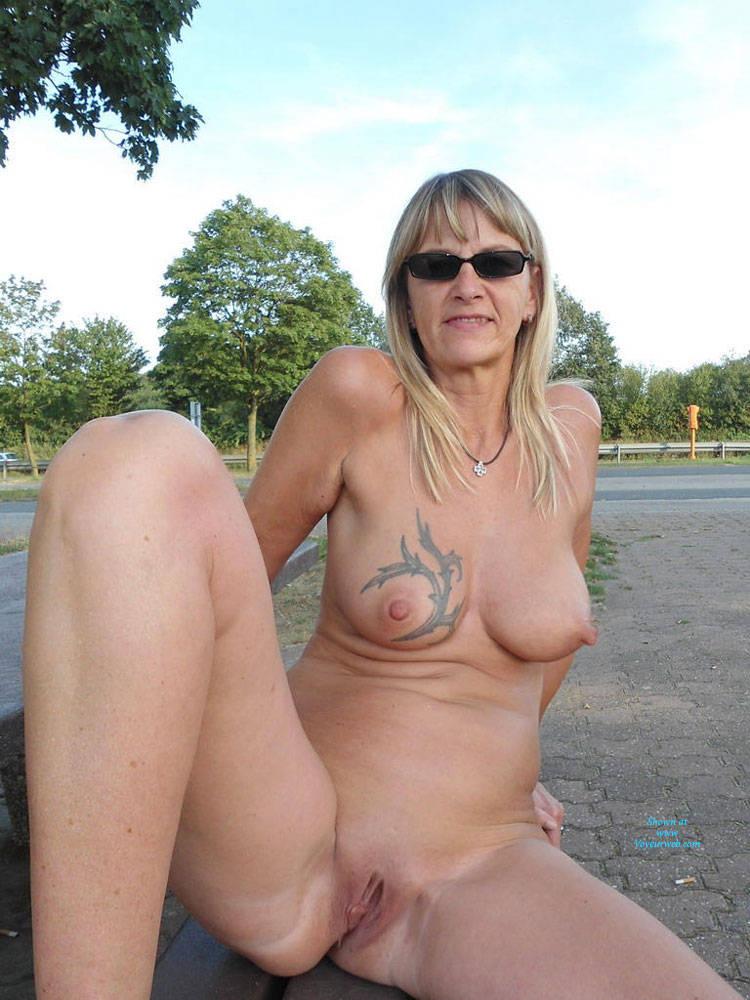 Pic #3 Regina Aus Halver Total Nackt an der Autobahn - Nude Girls, Big Tits, Blonde, Public Exhibitionist, Flashing, Outdoors, Public Place, Shaved, Tattoos