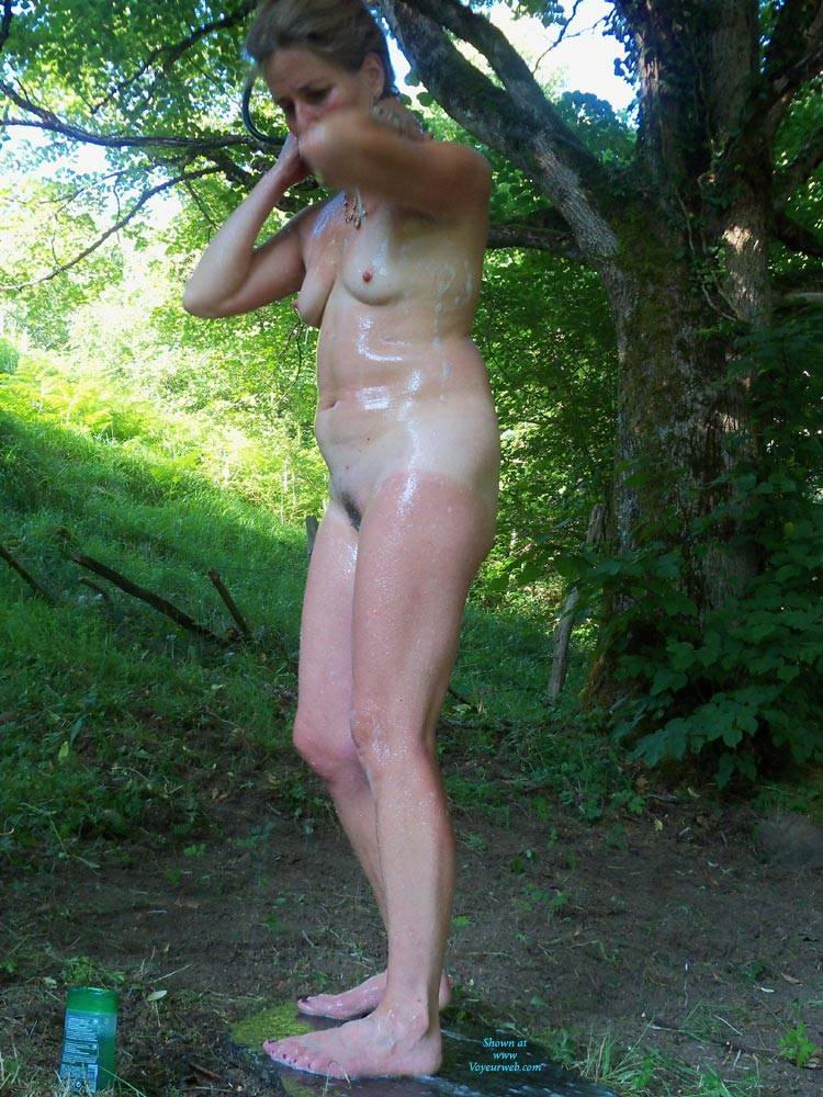 Cooling Down In The Outdoor Shower August 2017 Voyeur Web
