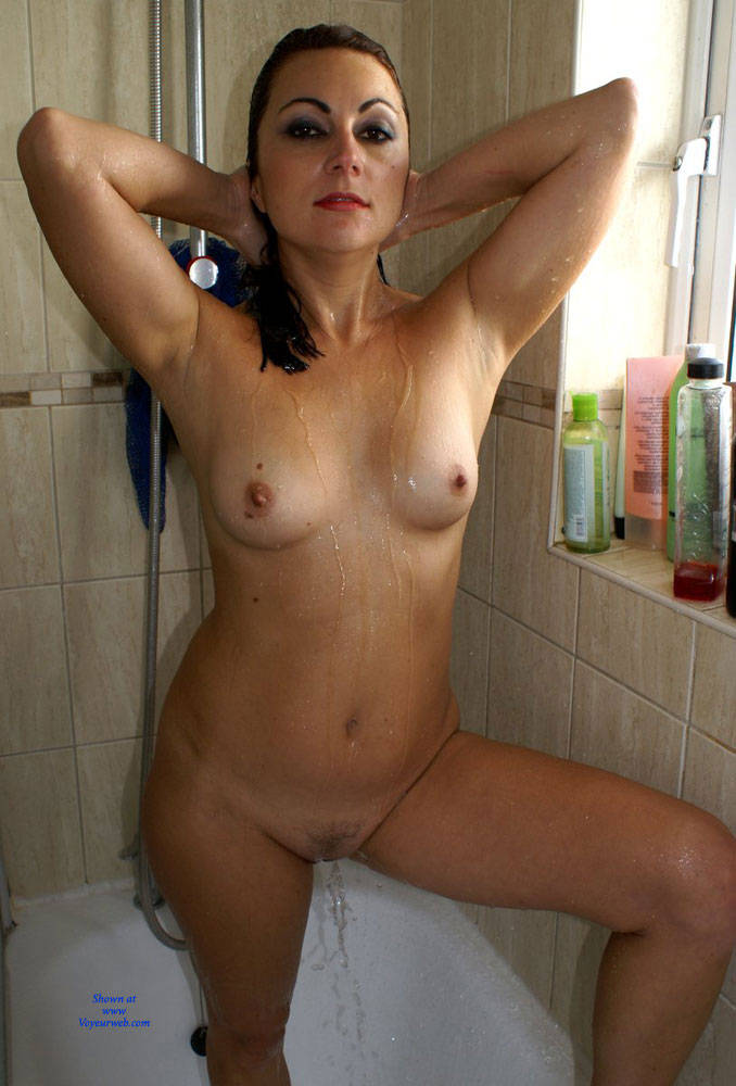 natural nude mother shower