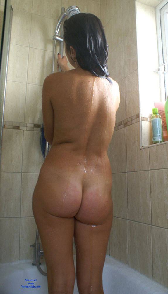 Pic #3 Anna (39) In The Shower - Nude Girls, Brunette, Bush Or Hairy, Amateur
