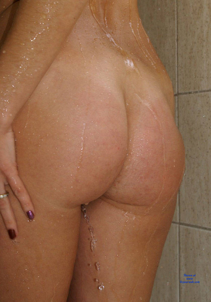 Pic #4 Anna (39) In The Shower - Nude Girls, Brunette, Bush Or Hairy, Amateur