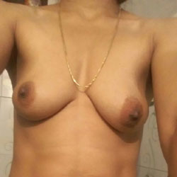 Bhabi Bath - Nude Girls, Big Tits, Bush Or Hairy, Close-Ups