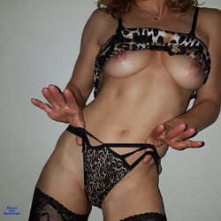 I Love To Show My Body - Big Tits, Lingerie, Amateur