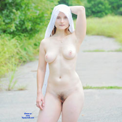 Julia Outdoors - Nude Girls, Big Tits, Outdoors, Bush Or Hairy, Amateur