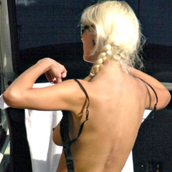 Blondi Oops - Blonde, Outdoors, Beach Voyeur