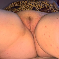 A BBW I Met - Pantieless Girls, Shaved, Close-Ups, Pussy, Amateur