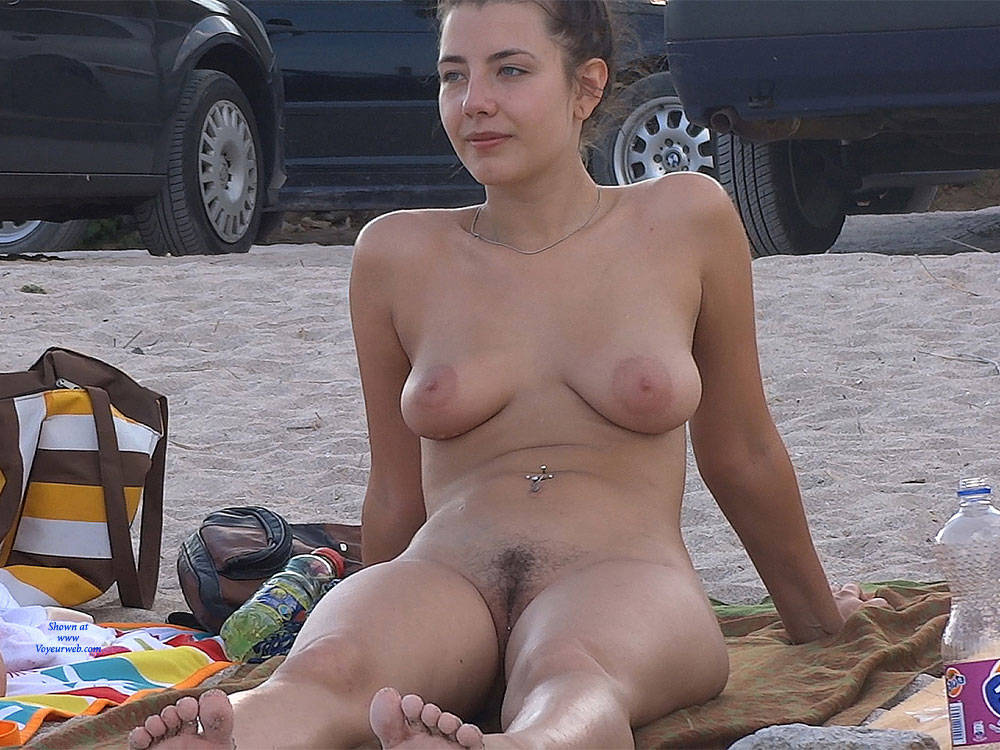 naked hairly armpit girl beach