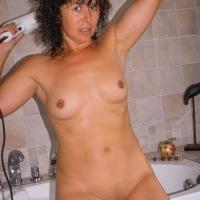 Bathroom - Brunette, Wet