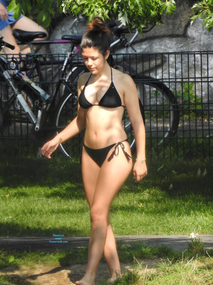 Bikini girls voyeur