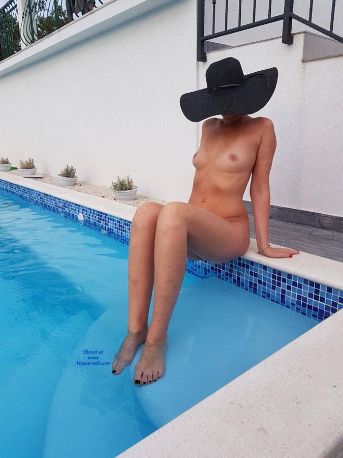 Pic #5 Fun Near Swimming Pool - Nude Girls, Outdoors, Amateur