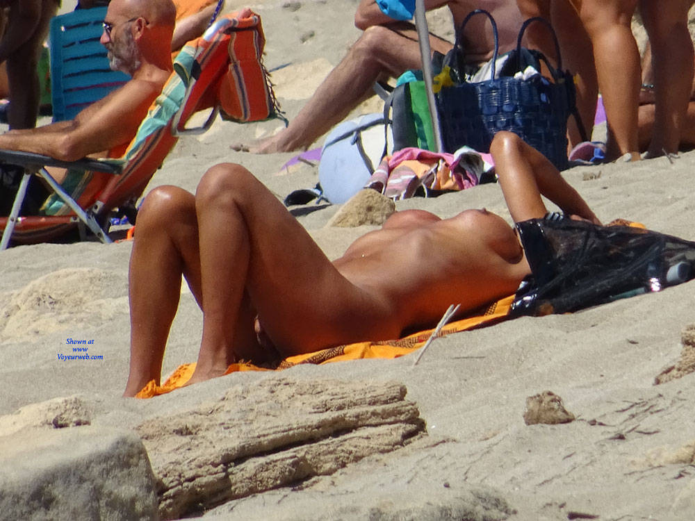Pic #6 Topless Beach la Commenda Puglia Italy - Topless Girls, Big Tits, Brunette, Outdoors, Tattoos, Beach Voyeur