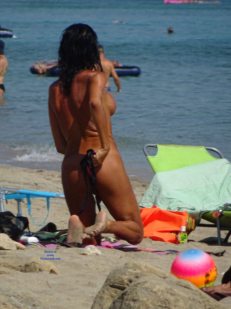 Pic #9 Topless Beach la Commenda Puglia Italy - Topless Girls, Big Tits, Brunette, Outdoors, Tattoos, Beach Voyeur