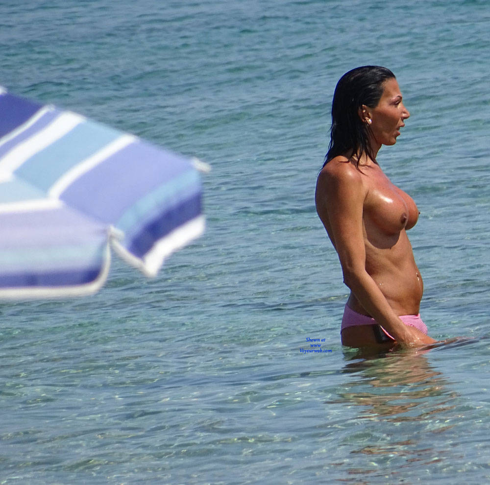 Pic #7 Topless Beach la Commenda Puglia Italy - Topless Girls, Big Tits, Brunette, Outdoors, Tattoos, Beach Voyeur