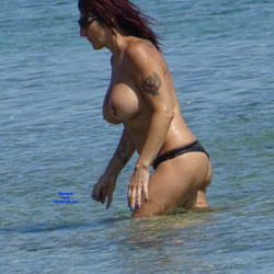 Topless Beach la Commenda Puglia Italy - Topless Girls, Big Tits, Brunette, Outdoors, Tattoos, Beach Voyeur
