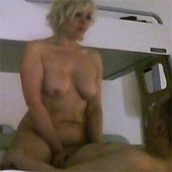 Suis en Feu - Nude Amateurs, Big Tits, Blonde, Softcore