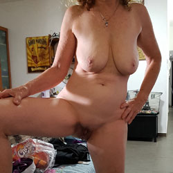 Nude At Home - Nude Amateurs, Big Tits