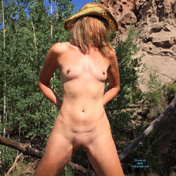 Nirvana Rocks - Nude Amateurs, Outdoors, Shaved, Nature