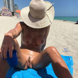 South Beach Fun - Nude Amateurs, Beach, Outdoors, Bush Or Hairy