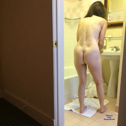 Hot Ass And Bush - Nude Amateurs, Brunette, Firm Ass