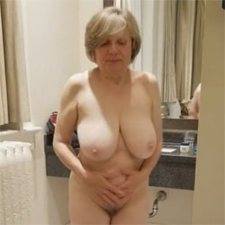 Crazy Curves Mature Body - Nude Amateurs, Big Tits, Mature, Bush Or Hairy